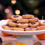 Lisa Faulkner's almond cake mince pies recipe on This Morning