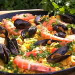 Phil's perfect paella with chicken and seafood recipe on This Morning