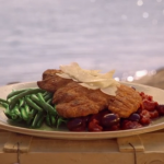 Gino's  breaded chicken breast with olive, parmesan cheese, green beans and tomato sauce recipe