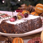 Phil's Easy Peasy Christmas pud with sloe gin and apples recipe on This Morning