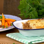 Phil Vickery Shepherd's pie ( just like a Rolling Stone) on This Morning