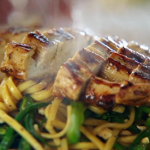 Jamie Oliver chicken noodle stir fry with peanuts and black bean sauce recipe
