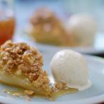 Nadiya Hussain half-a-pear crumble recipe