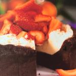 Joe Wicks Valentines chocolate cake recipe on Lorraine