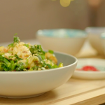 Chris Bavin vegetable and prawn pad Thai recipe on Eat Well For Less?