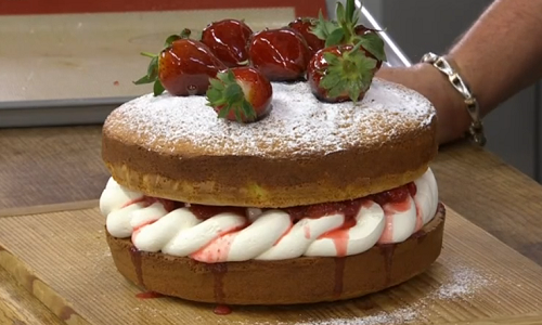 James Martin French Strawberry Sponge Cake With Cream And