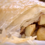 Phil Vickery autumn apple strudel recipe on This Morning