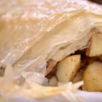 Phil Vickery autumn apple strudel recipe on This Morning