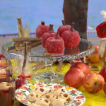 Phil Vickery spooky Halloween apple treats recipe on This Morning