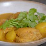 Nadia Sawalha Malaysian chicken curry recipe on Nadia's Family Feasts