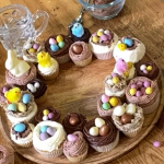 Juliet Sear Easter cupcake wreath recipe on This Morning