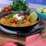 Nisha Katona signature butter chicken curry with fenugreek leaves and turmeric chips recipe on This Morning