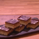 John Whaite millionaire's flapjack recipe on Steph's Packed Lunch