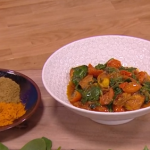 John Whaite saag halloumi curry with spinach and cherry tomatoes recipe on Steph's packed Lunch