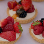 Jamie Oliver summer berry tarts with ricotta cheese recipe on Jamie and Jimmy Friday Night Feast