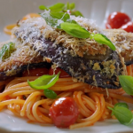 Jamie Oliver aubergine Parmesan Milanese with pasta and a sweet tomato sauce recipe on Jamie: Keep Cooking Family Favourites