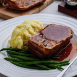 Simon Rimmer steak meatloaf with mash potatoes, green beans and gravy recipe on Sunday Brunch