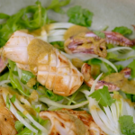 Raymond Blanc spiced squid with green curry sauce and a fennel and rocket salad recipe on Simply Raymond Blanc