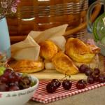 Lisa Faulkner new potatoes, chorizo and halloumi hand pies recipe for the perfect picnic on Lorraine