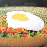 Gok Wan Singapore fried rice with turmeric and curry powder recipe on Gok Wan's Easy Asian